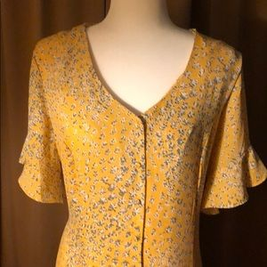 Yellow dream of a dress!Beautiful details all over